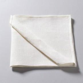 Serviette en tissu blanc